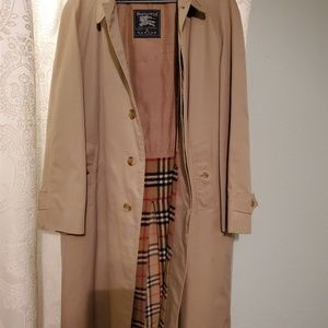 Burberry Mens trench coat size 56